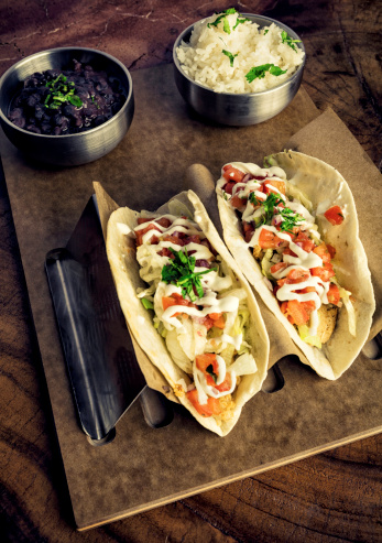 Sour Cream「Two chicken tacos with beans and rice」:スマホ壁紙(1)