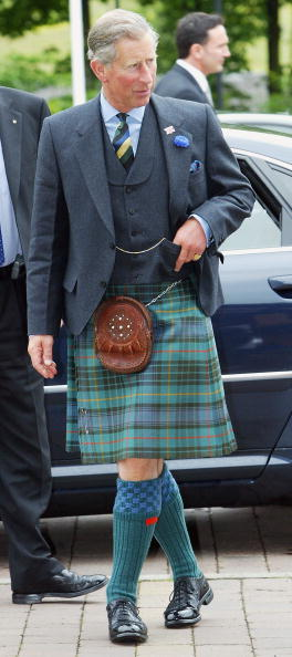 Kilt「Prince Charles Visits Scottish Academy of Music and Drama」:写真・画像(3)[壁紙.com]