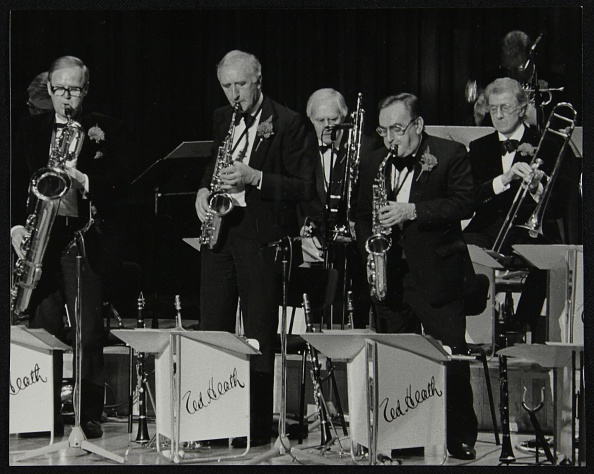 Brandon Roy「The Ted Heath Orchestra in concert at the Barbican Hall, London, 5 December 1985. Ronnie Chamberlain Artist: Denis Williams」:写真・画像(6)[壁紙.com]