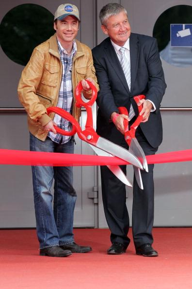 Johannes Simon「Bullyversum Opening At Bavaria Film City」:写真・画像(19)[壁紙.com]