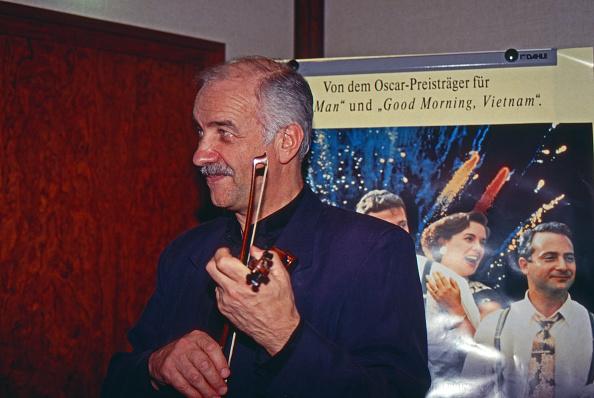 Violin「Armin Mueller-Stahl」:写真・画像(16)[壁紙.com]