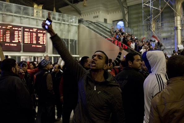Giles「Egypt Mourns Dead After Football Clash」:写真・画像(11)[壁紙.com]