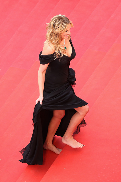 "Barefoot「""Money Monster"" - Red Carpet Arrivals - The 69th Annual Cannes Film Festival」:写真・画像(1)[壁紙.com]"