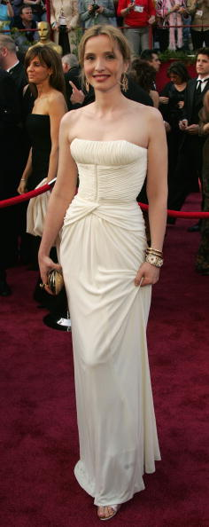 Strapless「77th Annual Academy Awards - Arrivals」:写真・画像(19)[壁紙.com]