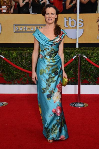 シュラインオーディトリアム「20th Annual Screen Actors Guild Awards - Arrivals」:写真・画像(4)[壁紙.com]