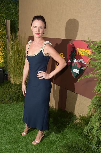 "Dark Blue「Los Angeles Premiere Of HBO Series ""Camping"" - Red Carpet」:写真・画像(14)[壁紙.com]"