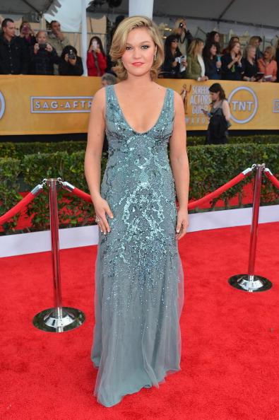Silver Colored「19th Annual Screen Actors Guild Awards - Red Carpet」:写真・画像(15)[壁紙.com]