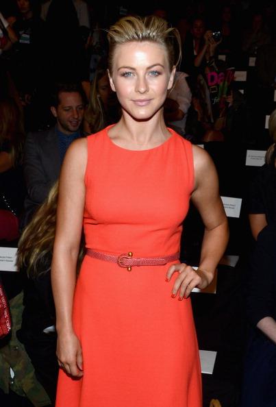 Three Quarter Length「Carolina Herrera - Front Row - Spring 2013 Mercedes-Benz Fashion Week」:写真・画像(8)[壁紙.com]