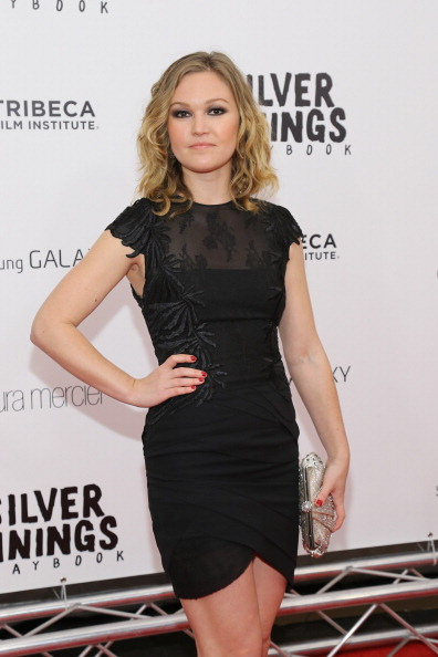 Three Quarter Length「Premiere Of The Weinstein Company's SILVER LININGS PLAYBOOK, Presented By Samsung Galaxy And Laura Mercier, Benefiting The Tribeca Film Institute」:写真・画像(16)[壁紙.com]