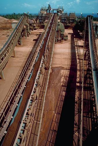Bauxite「Bauxite Ore on Conveyor Belt」:スマホ壁紙(18)