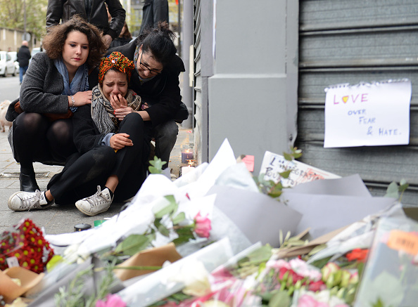 France「Significant Death Toll Feared In Paris Terror Attacks」:写真・画像(3)[壁紙.com]