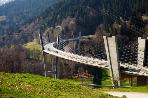 Switzerland「Sunnibergbruecke on the highway bypass to Klosters, Switzerland」:スマホ壁紙(1)