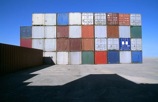 Metallic「Row of shipping containers in port」:スマホ壁紙(17)