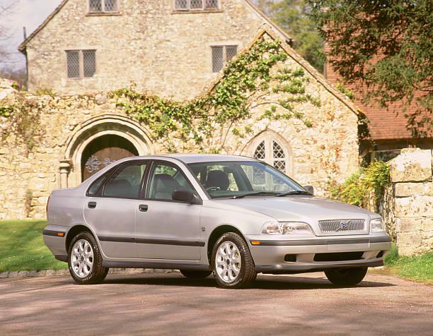 1999 Volvo S40 1.6:ニュース(壁紙.com)