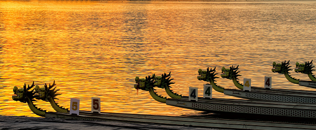 Moire「The pearl river in guangzhou, guangdong province, the dragon boat」:スマホ壁紙(16)