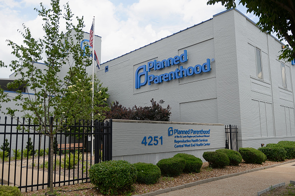 Missouri「Last Abortion Clinic In Missouri Forced To Close At End Of May」:写真・画像(3)[壁紙.com]