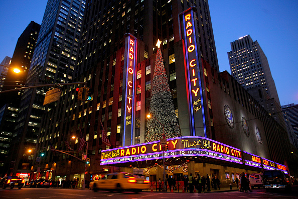 "Radio City Music Hall「Opening Of ""The 2009 Radio City Christmas Spectacular""」:写真・画像(0)[壁紙.com]"