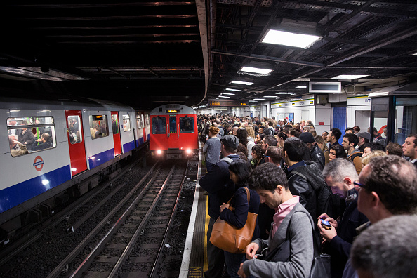 交通輸送「London Underground 48-hour Tube Strike Affects Rush Hour」:写真・画像(16)[壁紙.com]