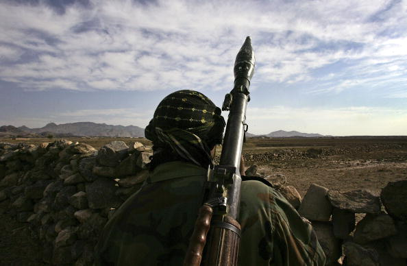 Taliban「U.S. And Afghan Forces Hunt Taliban On Pakistan Border」:写真・画像(4)[壁紙.com]