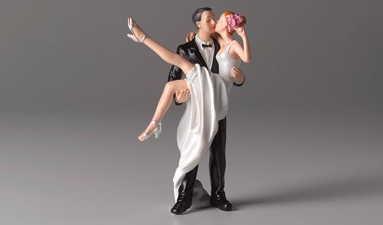 Well-dressed「Just married wedding cake figurine」:スマホ壁紙(7)