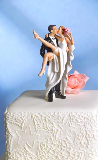 Married「Just married wedding cake figurine」:スマホ壁紙(13)