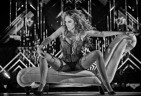 Performance「2018 DIRECTV NOW Super Saturday Night Concert In Minneapolis - Jennifer Lopez Performance」:写真・画像(8)[壁紙.com]