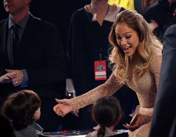 子供「FOX's 'American Idol' Finale For The Farewell Season - Show」:写真・画像(9)[壁紙.com]
