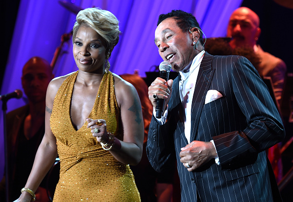 Smokey Robinson「Pre-GRAMMY Gala And Salute To Industry Icons Presented By Clive Davis And The Recording Academy Honoring Martin Bandier - Show」:写真・画像(19)[壁紙.com]