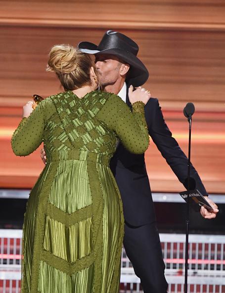 歌手 アデル「59th GRAMMY Awards -  Show」:写真・画像(5)[壁紙.com]