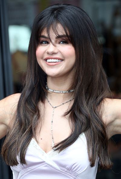 Selena Gomez「Coach Hosts Meet + Greet with Selena Gomez at The Grove」:写真・画像(14)[壁紙.com]