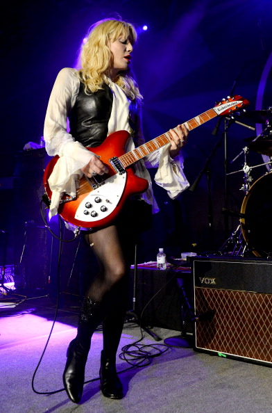 Courtney Love「Courtney Love Performs During Anniversary For Vinyl Inside The Hard Rock In Las Vegas」:写真・画像(12)[壁紙.com]