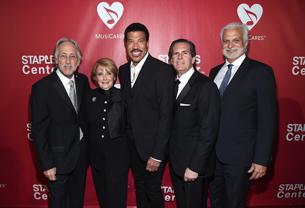 COO「2016 MusiCares Person Of The Year Honoring Lionel Richie - Red Carpet」:写真・画像(17)[壁紙.com]