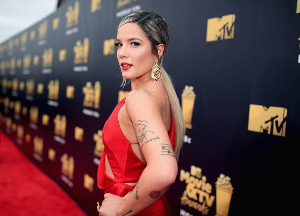 出席する「2018 MTV Movie And TV Awards - Red Carpet」:写真・画像(13)[壁紙.com]