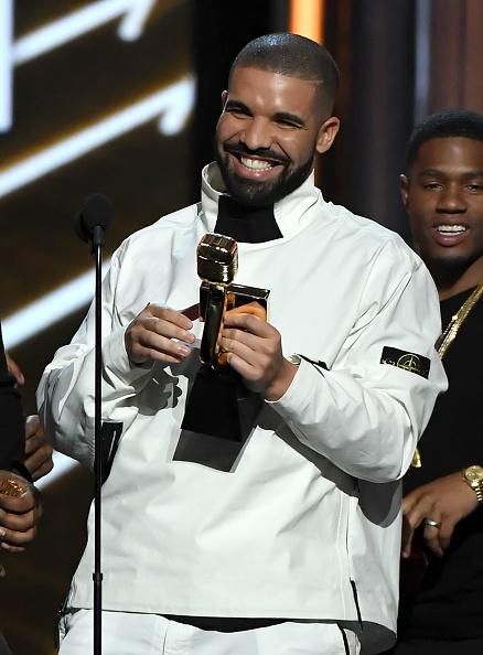 Drake - Entertainer「2017 Billboard Music Awards - Show」:写真・画像(14)[壁紙.com]