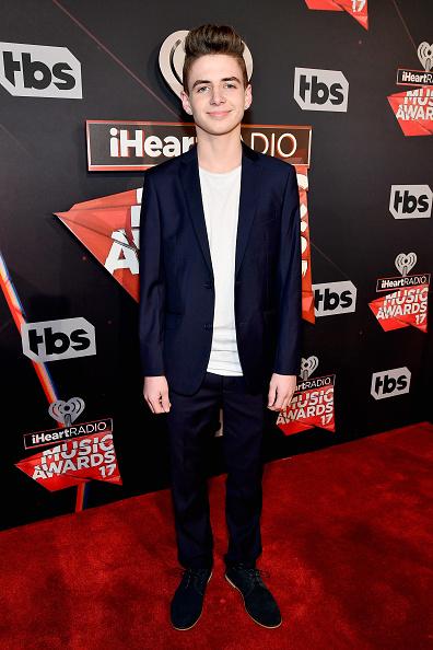ジャケット「iHeartRadio Music Awards - Red Carpet Arrivals」:写真・画像(2)[壁紙.com]