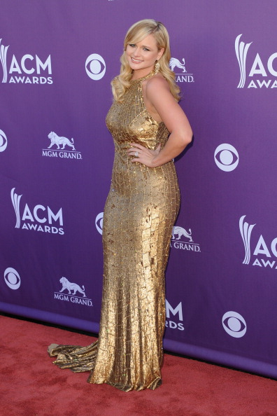 Halter Top「47th Annual Academy Of Country Music Awards - Arrivals」:写真・画像(18)[壁紙.com]