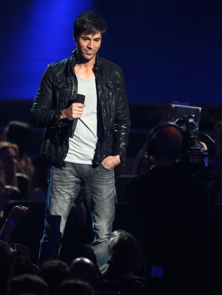 Enrique Iglesias - Singer「The GRAMMY Nominations Concert Live!! Countdown To Music's Biggest Night - Show」:写真・画像(12)[壁紙.com]
