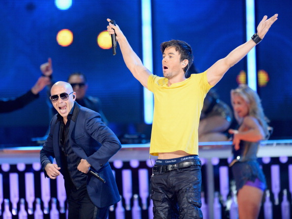 Enrique Iglesias - Singer「The 14th Annual Latin GRAMMY Awards - Show」:写真・画像(8)[壁紙.com]