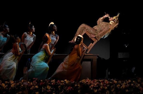 Beyonce Knowles「59th GRAMMY Awards -  Show」:写真・画像(15)[壁紙.com]