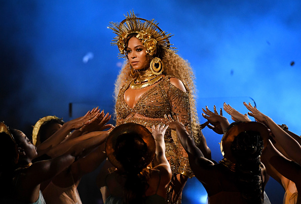 Beyonce Knowles「The 59th GRAMMY Awards - Show」:写真・画像(18)[壁紙.com]