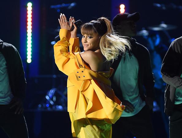Ariana Grande「2016 iHeartRadio Music Festival - Night 2 - Show」:写真・画像(6)[壁紙.com]