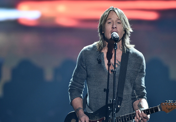 Keith Urban「60th Annual GRAMMY Awards - MusiCares Person Of The Year Honoring Fleetwood Mac - Show」:写真・画像(18)[壁紙.com]