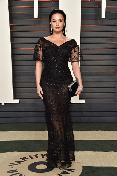 Demi Lovato「2016 Vanity Fair Oscar Party Hosted By Graydon Carter - Arrivals」:写真・画像(6)[壁紙.com]