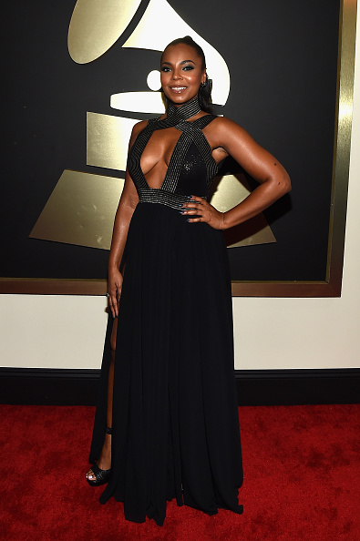 Hand On Hip「The 57th Annual GRAMMY Awards - Red Carpet」:写真・画像(10)[壁紙.com]
