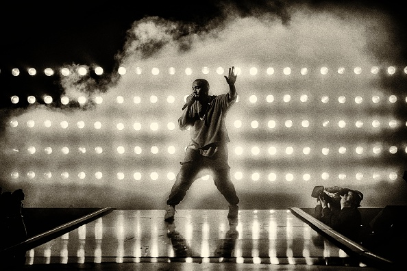 Kanye West - Musician「2015 iHeartRadio Music Festival - Night 1 - Show」:写真・画像(15)[壁紙.com]