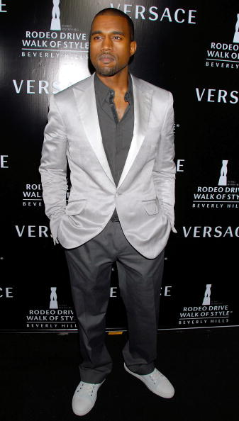 Kanye West - Musician「Rodeo Drive Walk Of Style Award - Arrivals」:写真・画像(9)[壁紙.com]