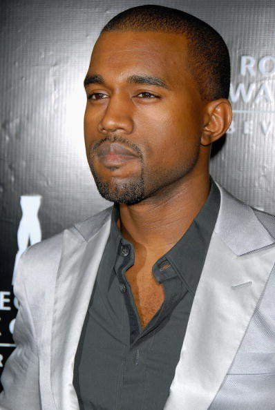 Kanye West - Musician「Rodeo Drive Walk Of Style Award - Arrivals」:写真・画像(9)[壁紙.com]