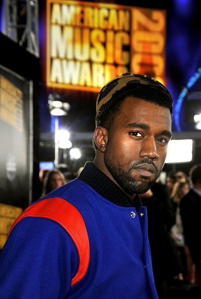 Kanye West - Musician「2008 American Music Awards - Red Carpet」:写真・画像(6)[壁紙.com]