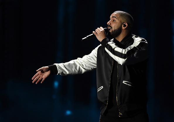 Drake - Entertainer「2016 iHeartRadio Music Festival - Night 1 - Show」:写真・画像(13)[壁紙.com]