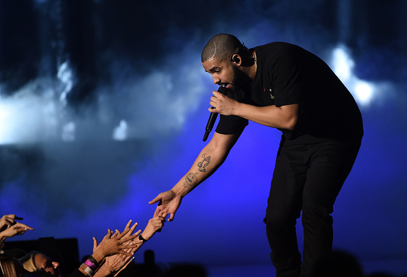 Drake - Entertainer「2016 iHeartRadio Music Festival - Night 1 - Show」:写真・画像(3)[壁紙.com]